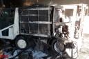 Un incendi crema el camió de la neteja