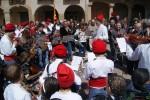 Calaf celebra una alegre Pasqua, amb les participades caramelles del Mil·lenari