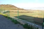 Actes vandàlics a la valla del cementiri i a un fanal municipal