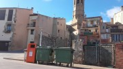 Calaf instal·la contenidors per reciclar l'oli domèstic residual