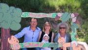 Una vintena de nadons planten la seva alzina a la festa de l'Arrela't de Calaf