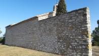 Mur de l'Ermita de Sant Sebastià de Calaf rehabilitat - febrer 2020