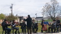 Concert dels alumnes de l'Escola de Música, abans de la plantada