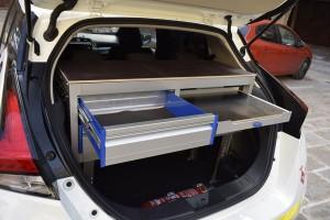 Maleter adaptar nou cotxe elèctic vigilants municipals Calaf