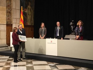 Jordi Badia i Montse Mases recollint el guardó