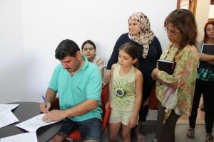 La família siriana s'instal·larà a Calaf i els nens estudiaran al CEIP Alta Segarra