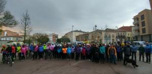 Participants a la caminada i pedalada per La Marató
