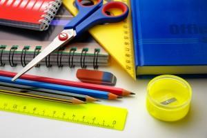 Beques de llibres i material escolar pel curs 2021-2022