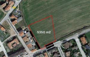 Terreny amb àrea de 5350 metres quadrats