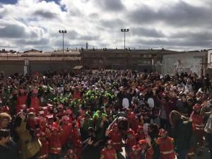 Rua escolar abans de l'espectacle de Jaume Ibars