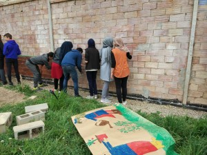 Pintada alumnes 4t d'ESO INS Alexandre de Riquer ecomurals horts urbans