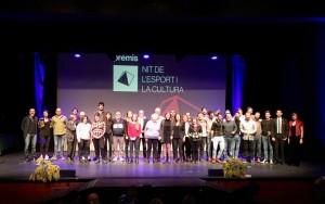 Foto de grup amb totes les persones guanyadores a la IV Nit de l'Esport i la Cultura de Calaf