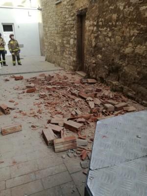 esfondrament mur casa carrer Sant Pere de Calaf