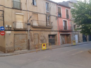 Inici obres canvi xarxa fibrociment plaça Eres i carrer Salvador Espriu Calaf