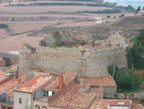 El castell, abans de les tasques de restauració