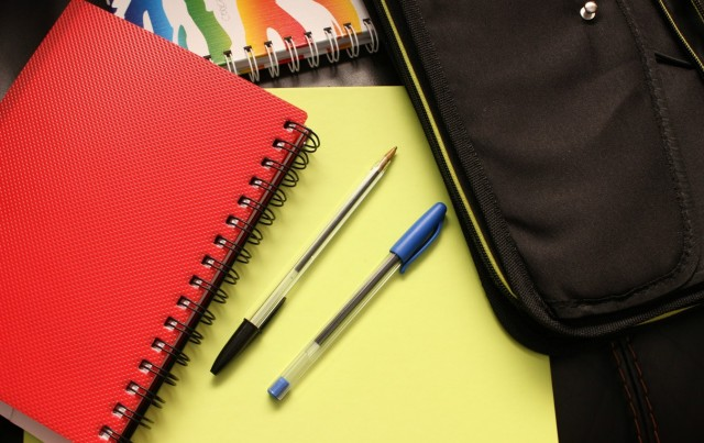 Del 4 al 23 de juny es poden sol·licitar les beques per a llibres de text i material escolar