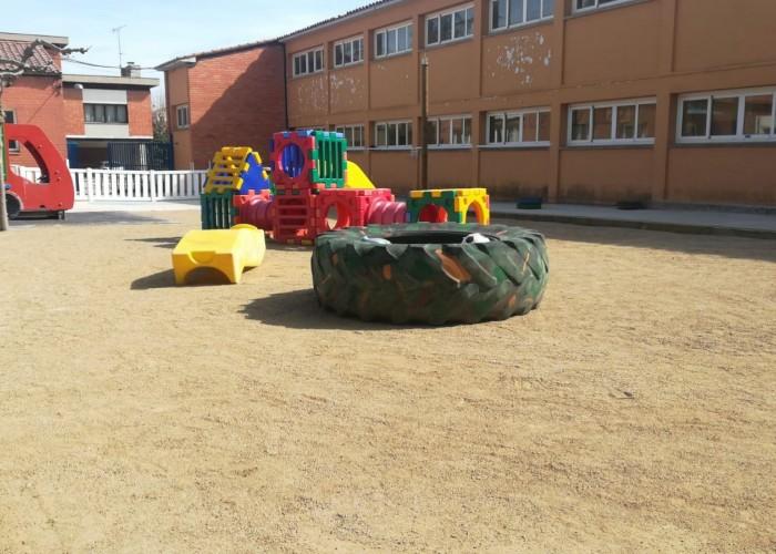 La llar d'infants municipal La Boireta estrena nou paviment del pati