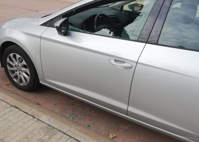 Desconeguts causen destrosses en més d'una vintena de cotxes de Calaf